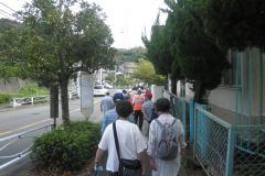 避難経路は先遣隊が安全を確認しています。